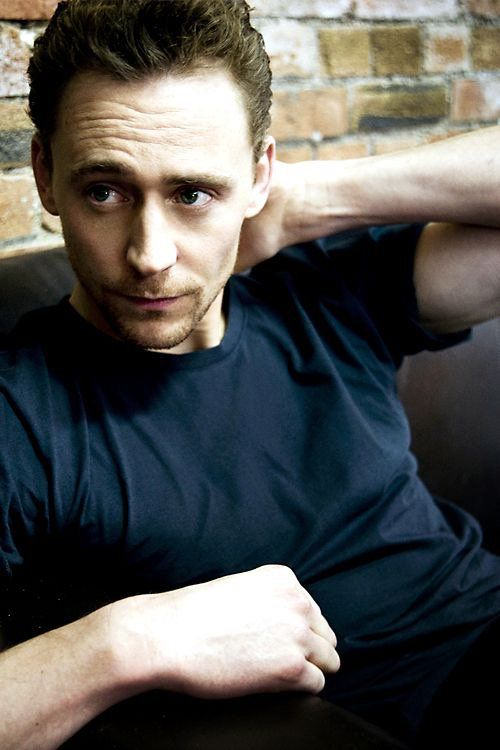 @hiddlestigress: Just because. #TomHiddleston https://twitter.com/hiddlestigress/status/782239721216888833