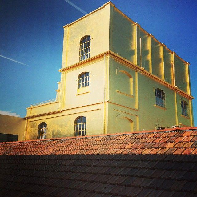 Splendere! #HauntedHouse #FondazionePrada #igersitalia #igersmilano #igerslombardia #MilanoLoveYou #Oro #ArteContemporanea #arte #instaworldmilano2015 #FuoriExpo
