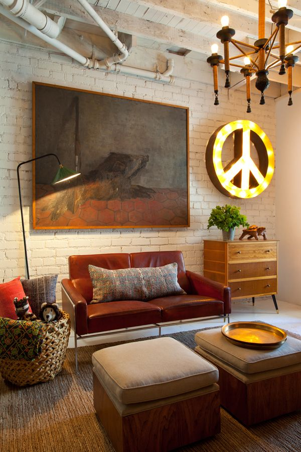 : Decor, Spaces, Living Rooms, Brick Wall, Leather Sofas, Peace Signs, Interiors Design, Vintage Furniture, Expo Brick
