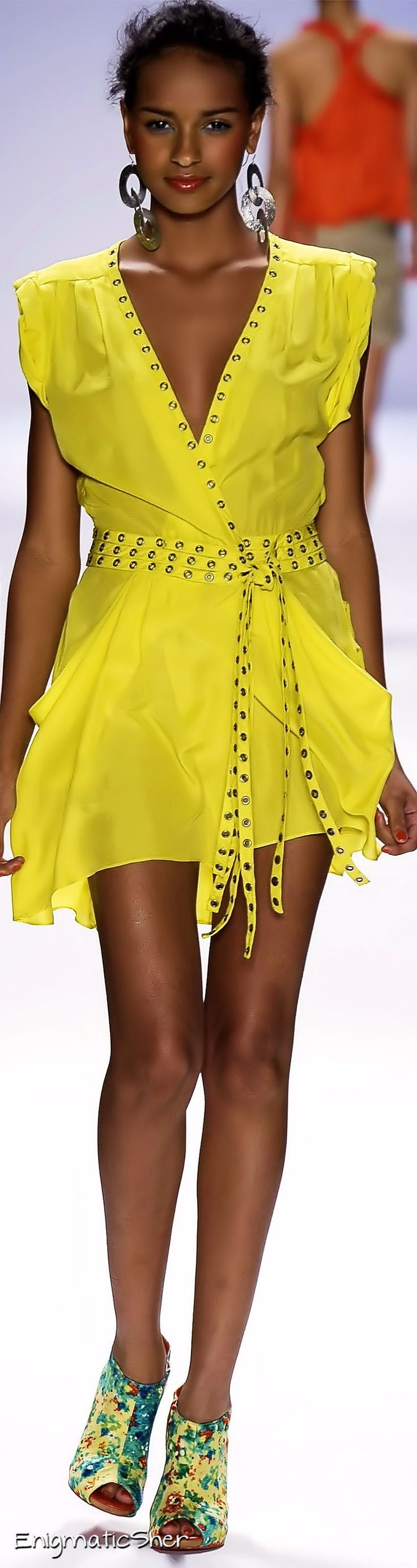 Nanette Lepore Spring Summer 2010 Ready-To-Wear