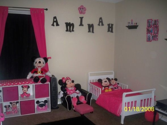 minnie mouse bed rooms aminah 39 s minnie mouse room. Black Bedroom Furniture Sets. Home Design Ideas