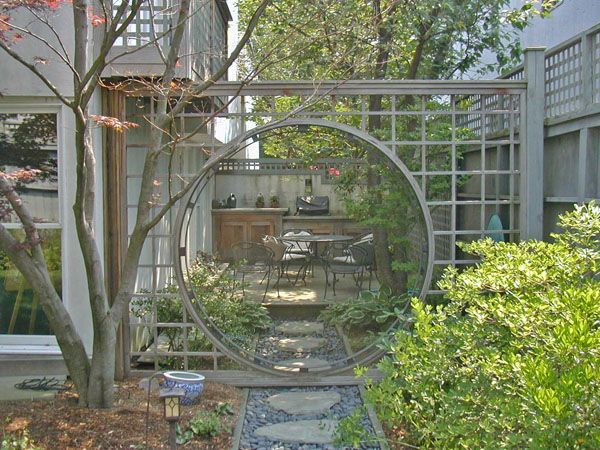 This gate and path look like they are doable for diy! | Déco ...