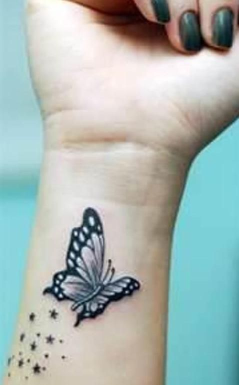 handgelenk schmetterling tattoo