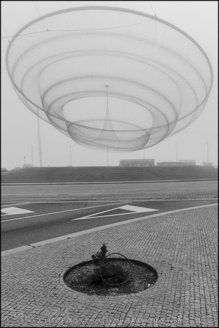 She Changes - Janet Echelman [2014 - Matosinhos - Portugal] #fotografia #fotografias #photography #foto #fotos #photo #photos #local #locais #locals #cidade #cidades #ciudad #ciudades #city #cities #europa #europe @Visit Portugal @ePortugal @WeBook Porto @OPORTO COOL @Oporto Lobers #anemona