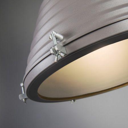 Hanglamp Forte grijs - Industriële hanglamp in matte uitvoering, zeer mooi afgewerkt in aluminium. De lamp heeft een stoer ontwerp en is uitgevoerd in een neutrale kleur, waar u alle kanten mee op kunt!
