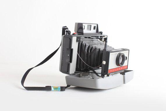 Ehi, ho trovato questa fantastica inserzione di Etsy su https://www.etsy.com/it/listing/222881413/macchina-fotografica-polaroid-vintage