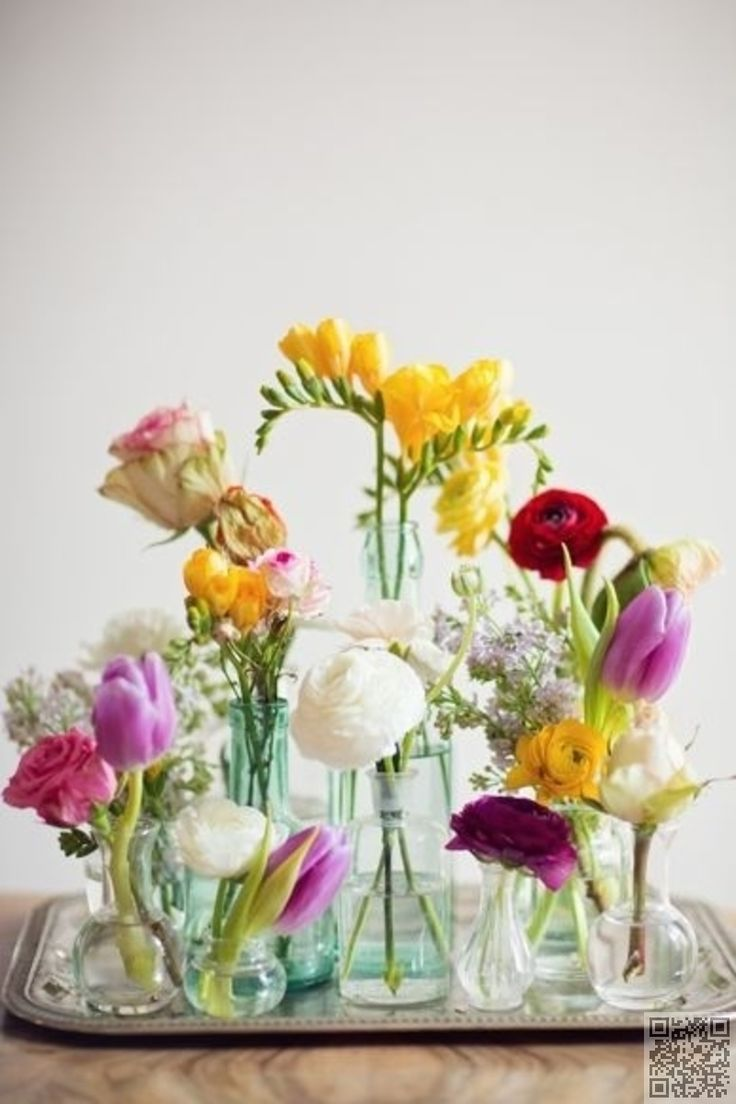 4. #Small Vases - 27 #Elegant Flower #Arrangements That'll Brighten up Any Room ... → #Gardening #Ikebana