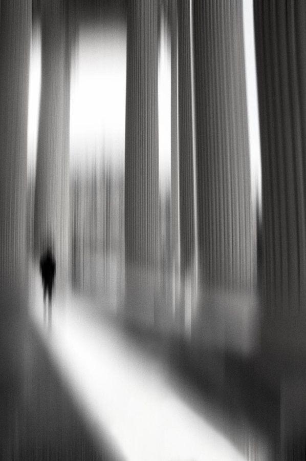 .: Eric Drigni, Of Large, Artemisdream Le, Chemin Des, Homme Eric, Le Chemin, Columns, Black White, Blurri Photo