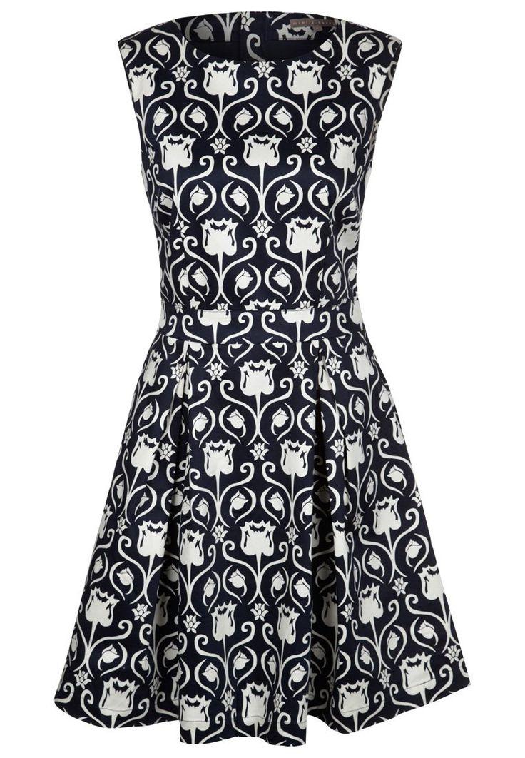 30 best dress code tenue de ville and black tie images on pinterest feminine fashion evening. Black Bedroom Furniture Sets. Home Design Ideas