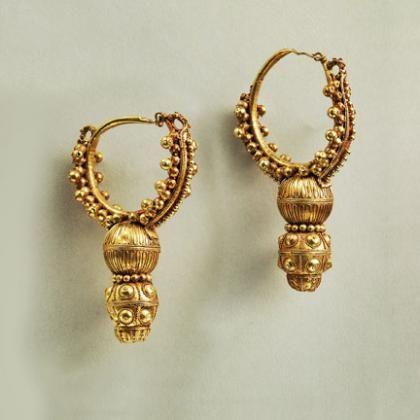 Roman Pair Of Gold Hoop Earrings Geneva