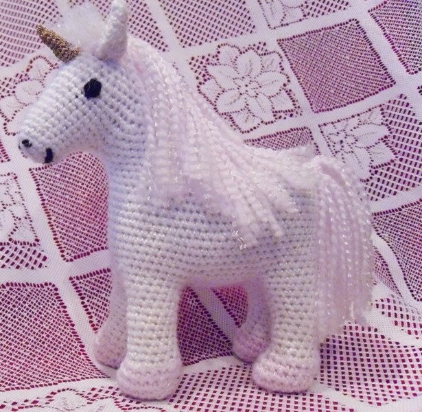 ... Unicorn Party. on Pinterest Horns, Crochet unicorn and Unicorn cakes