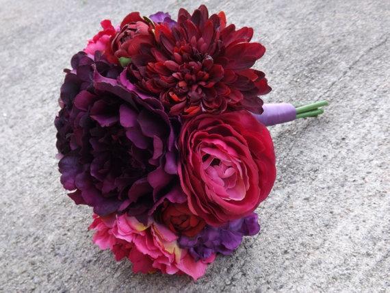 Eggplant, Purple, Magenta, Fuchsia, Burgundy. Gorgeous wedding bouquet <3