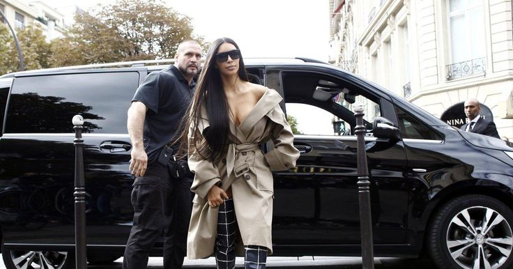 Diamond cross recovered outside apartment where Kim Kardashian was robbed: report