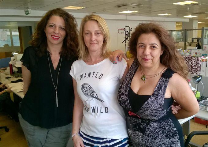 Athénból jelentjük / A görög szerkesztő kolléganőkkel (munkatársunk, Tiefenthaler Eszter középen)
