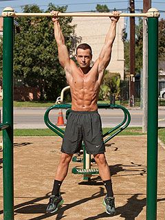Joey Lawrence Is Shirtless and Ripped: WHOA