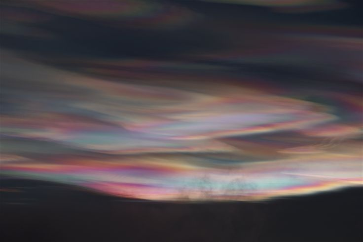 Mother of Pearl clouds (Nacreous clouds). Photo: Åse Margrethe Hansen, 2014