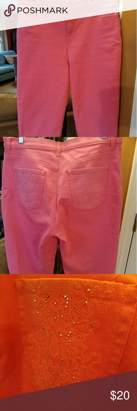 Pretty Pink Capris - 12P Cute pair of Pink Capris in slendering style with embellished pockets in back. Gloria Vanderbilt Pants Capris