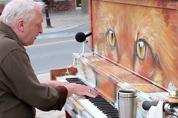 "Everyone Loves This 59-Year-Old Guy's Street Piano ""Say Something"" Cover Because It's Beautiful"