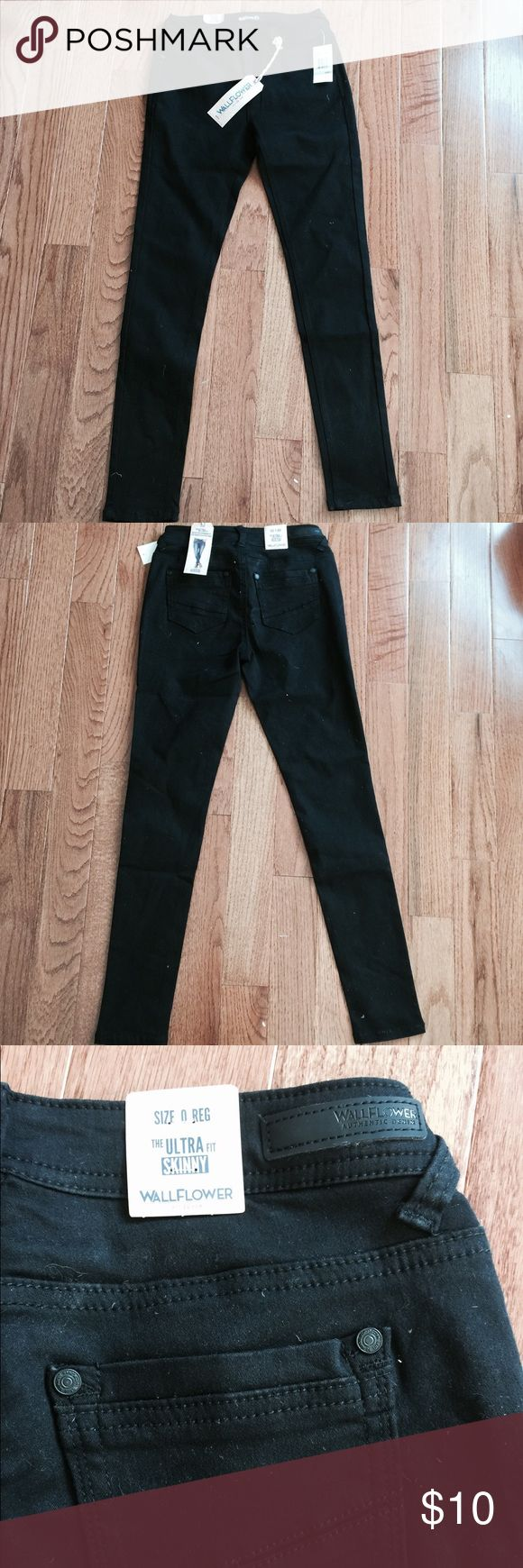 Wallflower black skinny jeans Brand new wallflower black skinny jeans size 0R Wallflower Jeans Skinny