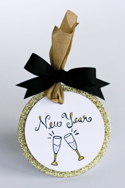 Lawn Fawn - Happy New Year, Circle Stackables Lawn Cuts dies _ beautiful tag by Latisha for Lawn Fawn Design Team