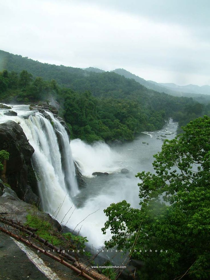 Kerala Waterfalls | Visit kerala in your budget | Key word : Hot Tour india, Trip india, holiday package india, tourism india, tourist place india, know about indian culture thevikram.com