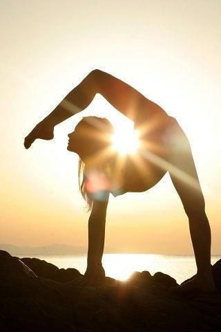 Holy shit, if i could just pull off this yoga pose without breaking myself, I would be the coolest person i know.