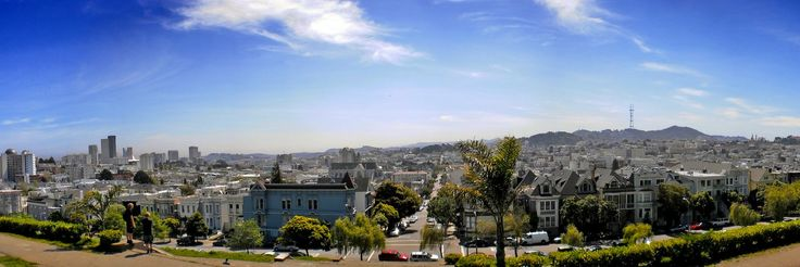 A panoramic view of San Francisco from Alta Plaza Park.