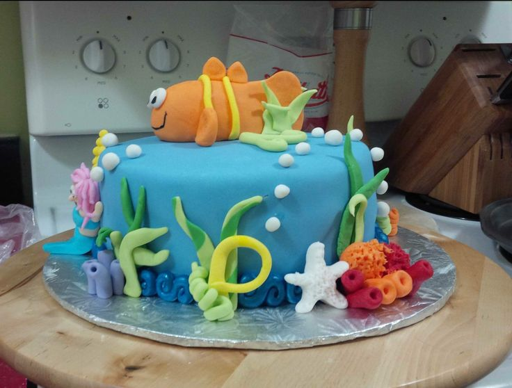 Another Bubble Guppies birthday cake...this time for a boy so the fish was on top.