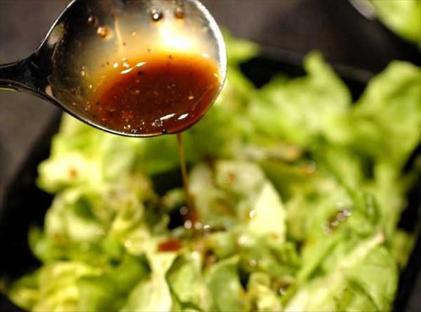 Low fat/low cal. Balsamic Honey Mustard Dressing from Food.com:   								Low-fat and tastes good. Really good over a chicken and avocado salad or just a plain green salad.