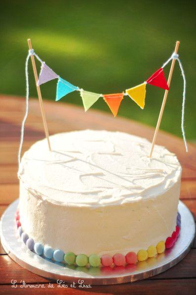 Une belle décoration de gâteau facile à créer et réutilisable!