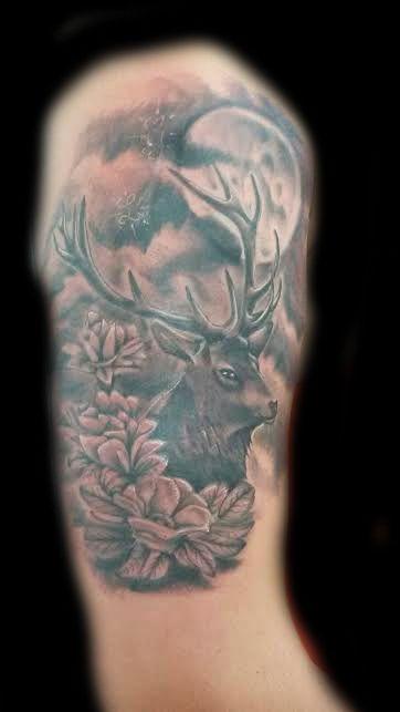 www.valestattoo.com #valestattoo #tattoo #tattooed #tatuaggio #cervo #fiori #flowers #flower #luna #moon #blackandgrey #blackandgreytattoo #pantheraink #pantherainktattoo #pantherablackink #tattooart #tattooartist #tattooartistitaly #tattoomadeinitaly #photooftheday #bestoftheday #ink #inked #skin #skin2