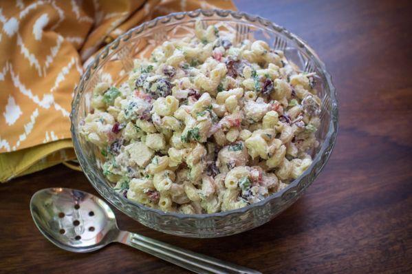 Kurací cestovinový šalát - Recept pre každého kuchára, množstvo receptov pre pečenie a varenie. Recepty pre chutný život. Slovenské jedlá a medzinárodná kuchyňa