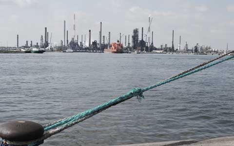 Flanders Port Security #fps #security http://fiji.remmont.com/flanders-port-security-fps-security/  # Bedrijfsprofiel FPS specialiseert zich in havenbewaking, meer specifiek de bewaking van haventerminals zoals containerterminals, ro-ro terminals en stukgoedterminals. FPS focust zich tevens op de bewaking van logistieke, industriële, chemische en petrochemische bedrijven in het havengebied. Ook de bewaking van schepen behoort tot de basisdiensten. FPS is actief in de havens van Antwerpen…