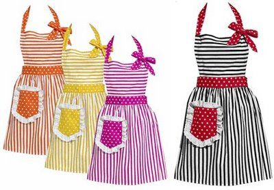 Apron patterns... these are adorable!  Perfect to go with a wedding shower gift or housewarming present! :)