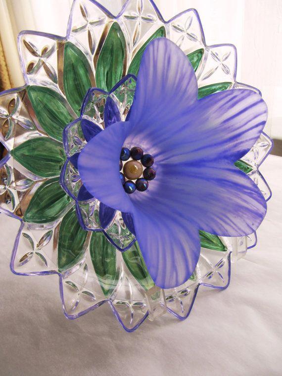 garden art glass plate flower, sun-catcher, yard art, repurposed glass, vintage glass recycled,home outdoor decor, glass garden gift, flower Shirley Thomas