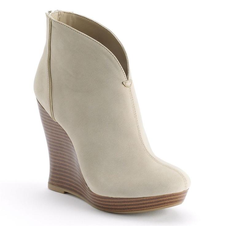 A sleek stunner ready for day or night. #JenniferLopez #bootie #Kohls