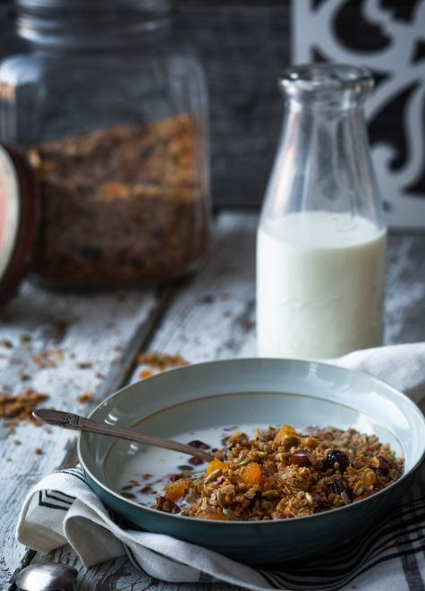 Granola+maison+aux+fruits,+noix+&+érable