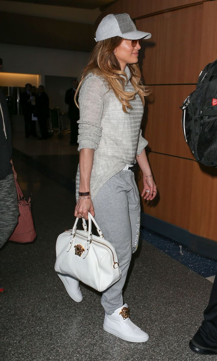 Jennifer Lopez Casual Style - LAX Airport in Los Angeles #airportstyle