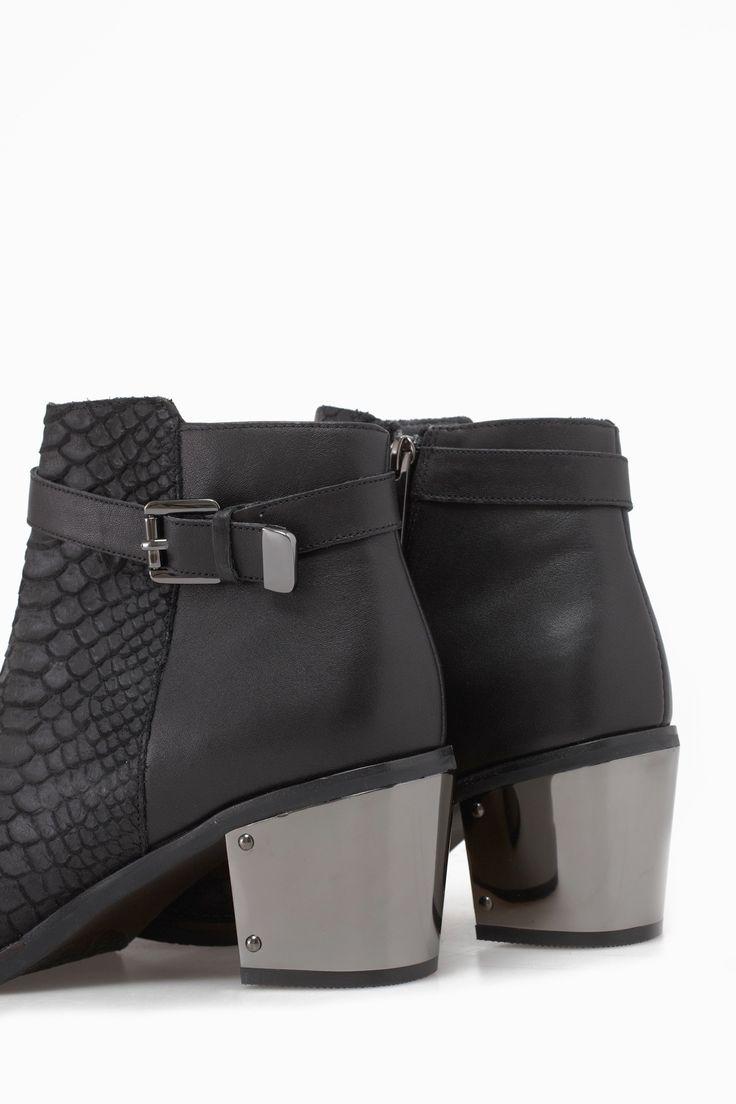 Metal Heel Ankle Boots - back in black | Adolfo Dominguez shop online