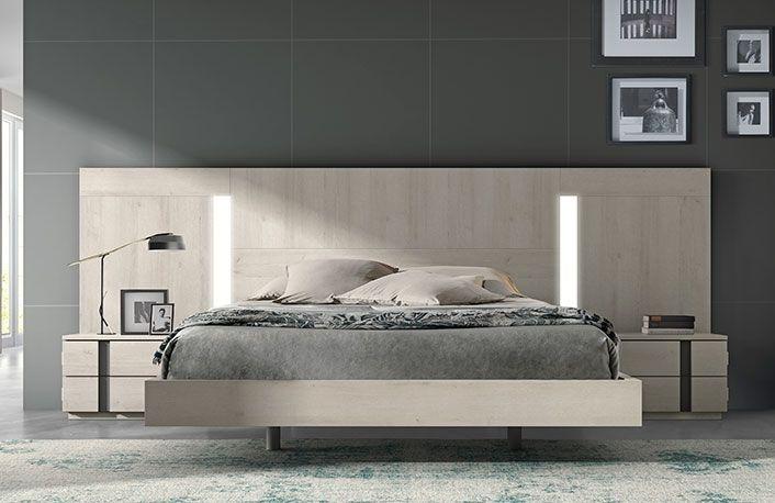 Cabecero y mesitas estilo nórdico con cama bañera