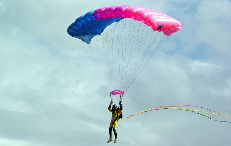 Fallschirm – eine Erfindung von André-Jacques Garnerin.Fallschirme sind in erster Linie dafür da, Personen oder Gegenstände aus der Luft unversehrt zu Boden zu bringen. Dabei gibt es zwei verschiedene Arten...