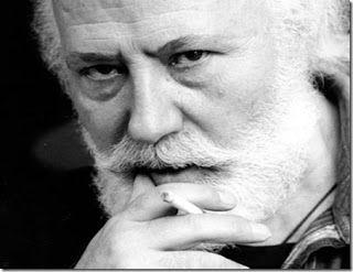 Στίχοι Ποιητών που με σημάδεψαν: Τα ποιήματα στο δρόμο - Νίκος Χουλιαράς