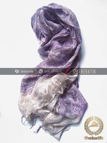Selendang Batik Sutra Warna Ungu Terong | #Indonesia #Batik #Scarves Shawl Wholesale http://thebatik.co.id/syal-selendang-batik/