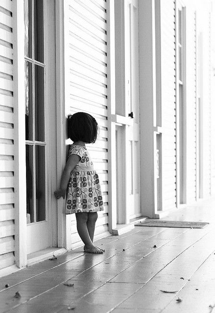alone....: Lights, Little Girls, Kids Photography, Black And White, Black White, Children, Baby Girls, Sweet Girls, Front Porches