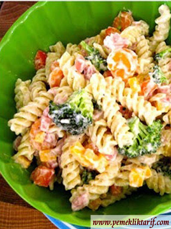 Ranch Soslu Makarna Salatası
