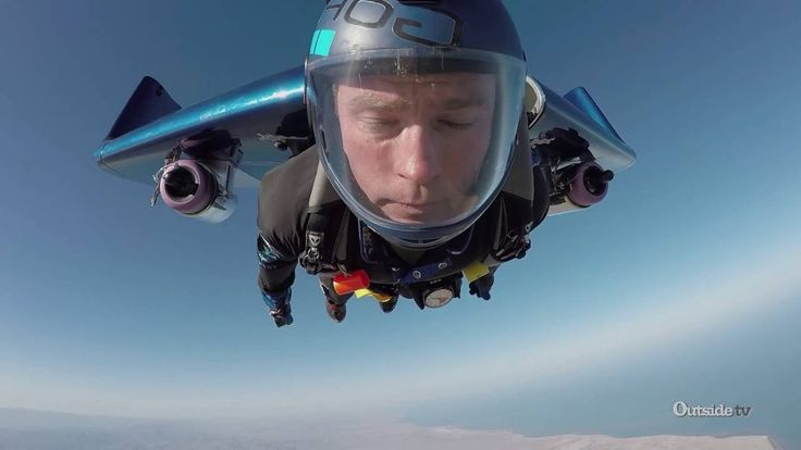 Thrill Seeker Jumps Out Of A Plane With Jet Powered Wings, Is Temporarily Superman
