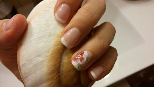 French mani with one stroke design