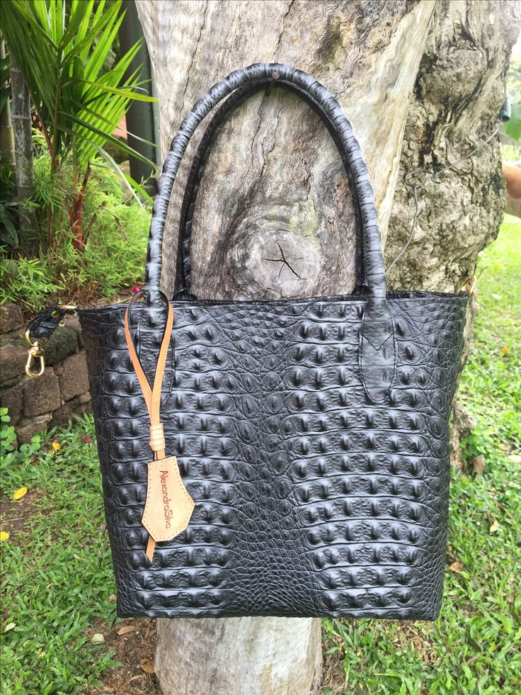 Leather -Cuero  Manufactura Colombiana!  www.alexandrasilvaleather.com @alexandrasilvaleather  Whatsaap: +57-3117708485