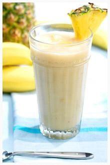 Easy Chiquita Banana Pineapple Smoothie Recipe // #banana #smoothie #Chiquita #pineapple