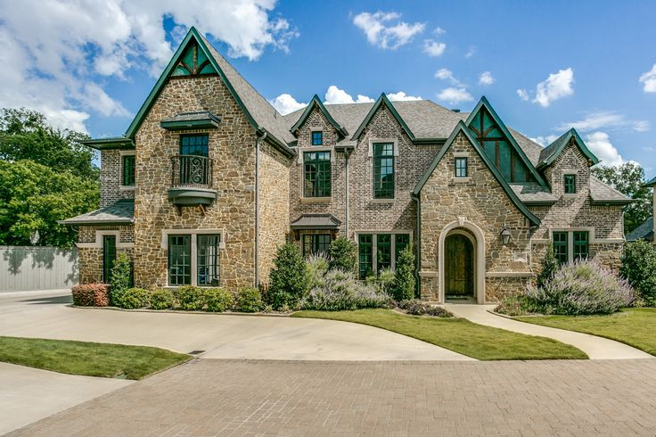 This dallas tx home looks like a modern day castle for Houses that look like castles